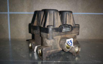 Valvula de 4 vías Volvo D12D Automatico